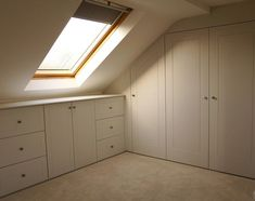 Ideas storage room closet under stairs Attic Bedroom Closets, Attic Bedroom Storage, Attic Bedroom Designs, Small Space Bedroom, Attic Wardrobe, Attic Closet, Attic Bathroom, Attic Rooms, Attic Spaces