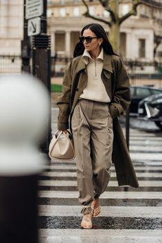 Paris Fashion Week: Muster(mix) & neue Statement-Accessoires - diese Looks inspirieren unser Styling für die nächste Saison | Vogue Germany