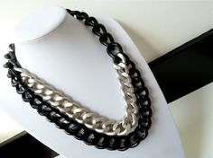 hrh collection tres chic necklace