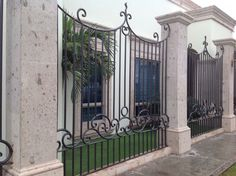 De Tor Design, House Design, House Front, My House, Front Entry Decor, Fence Gate Design, Spanish Colonial Homes, Iron Front Door, Mexico House
