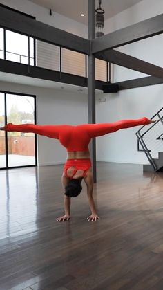 Wall Handstand, Handstand Progression, Pole Dance Moves, Pole Dancing, Gymnastics Flexibility, Wellness Studio, Core Challenge, My Well Being, Cheer Outfits
