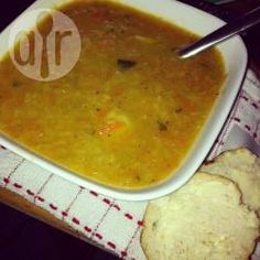 Scottish lentil soup - A great winter warmer, always a favourite with everyone! Makes a big pot enough for all the family, - Lentil And Bacon Soup, Best Lentil Soup Recipe, Lentil Recipes, Vegetarian Recipes, Cooking Recipes, Cooking Rice, Onion Soup, Tomato Soup, Scottish Dishes