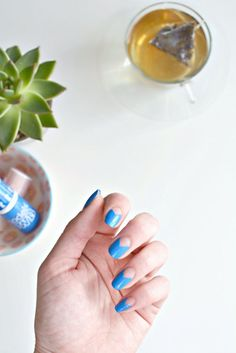 nails | negative space nail art