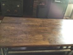 Minwax Weathered Oak and Provincial stained coffee table. This could look nice in my kitchen. the weathered oak on its own may be too light next to the stainless steel fridge Coffee Table Refinish, Refinished Table, Minwax Stain, Oak Stain, Floor Colors, Stain Colors, Floor Stain, Cherry Cabinets
