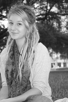 I love how her dreads don't use all of her hair. She still has some natural in there. Dreadlocks Girl, Blonde Dreads, Locs, Dreads Styles, Hair Styles, White Dreads, Dread Hairstyles, Hair Affair, Dream Hair