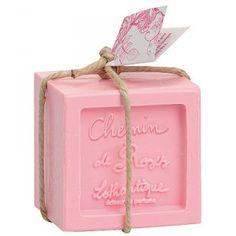 Cube de Rose, Chemin de Roses, Lothantique, 300 g Pink Love, Pretty In Pink, Cubes, Fashion Kids, French Soap, Rose Bonbon, Savon Soap, Decorative Soaps, Soap Supplies