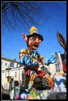 Carnevale Pinerolo 8 - photographic processing (282) - Fotografia di un carro di Carnevale durante la sfilata dei carri di Pinerolo (TO)