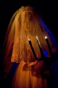 Phantom Manor Bride (Haunted Mansion Paris)