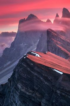 The Red Barrier - Odle Range Italy | Max Rive