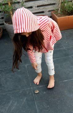 Todas queremos unos leggings así verdad? Nos da un aire de viaje y de libertad esta tela náutica, 100% de algodón americano. La tela fue comprada en Los Angeles y es parte de una colección de telas náuticas super suaves. No se les olvidan checar la blusa que hace conjunto de este lindo pantalón. #fashionrevolution #fashrev #fashion #fashionkids #matildaetmalia.com #cotton #cottonkids #madeinmexico #hechoenmexico #whomademyclothes