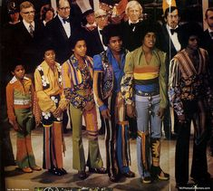 The jacksons in order Tito Jackson, The Jackson Five, Jackson Family, Michael Jackson Quotes, Gta San Andreas, Jackson Music, Gary Indiana, Soul Singers, The Jacksons