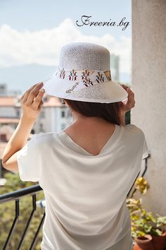 White summer hat from Freeria with hand drawn ribbon, variation How To Draw Ribbon, Summer Hats, Panama Hat, Hand Drawn, How To Draw Hands, Fashion, Panama, Fashion Styles, Fashion Illustrations