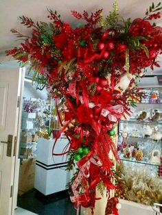 Christmas 2019, Christmas Home, Christmas Wreaths, Holiday Crafts, Holiday Decor, Christmas Villages, Merry And Bright, Xmas Decorations, Lily