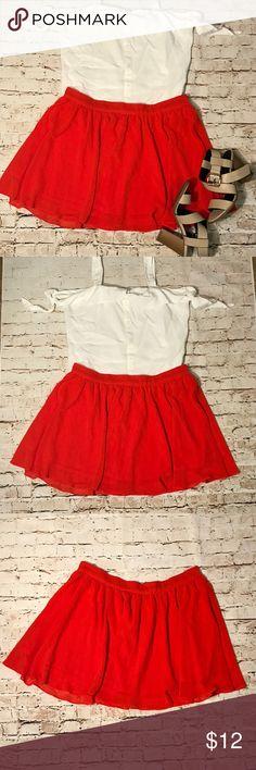 Red orange skirt Nice skirt with zipper on back Forever 21 Skirts Circle & Skater