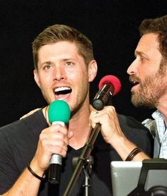 Rob and Jensen singing at Vancon 2014 - The Boys Are Back In Town
