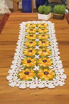 Instructions To Crochet A Table Runner Free Pattern Yellow Flowers Kingdom Crochet Table Runner Pattern, Free Crochet Doily Patterns, Crochet Tablecloth, Crochet Ideas, Crochet Projects, Free Pattern, Homemade Tables, Crochet Sunflower, Crochet Flowers
