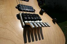 Custom Bass Guitar, Guitar Diy, Custom Guitars, Music Guitar, Cool Guitar, Bass Amps, Ex Machina, Guitar Parts, Guitar Building