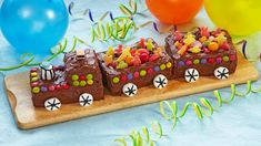 Togkake til barnebursdag Baby Birthday, Birthday Cake, Toy Story Theme, Norwegian Food, Torte Cake, Kids Party Games, Cake Cover, Yummy Cakes, Gingerbread Cookies