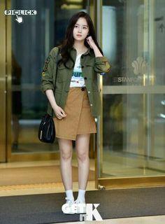 Kim So Hyun Fashion, Kpop Fashion, Fashion Outfits, Airport Fashion, Kim So Eun, Wattpad, Korean Street Fashion, Korean Celebrities, Airport Style