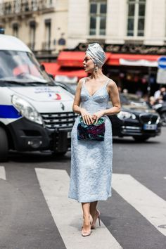 Street looks at Haute Couture Week Fall/Winter in Paris Fashion Casual, Style Casual, High Fashion, Womens Fashion, Paris Fashion, Style Fashion, Fashion Outfits, Style Work, Mode Style