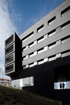 Edifício de Habitação Entroncamento / Belém Lima Arquitectos