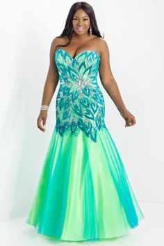 79 Best Plus Size Prom Dresses images | Plus size prom dresses ...
