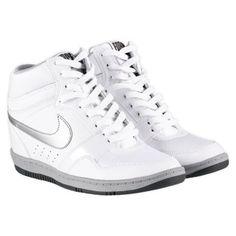 Me gustó este producto Nike Tenis Force sky high. ¡Lo quiero!