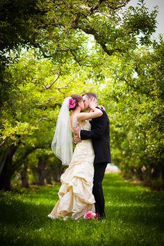 orchard wedding = Beautiful Photo!