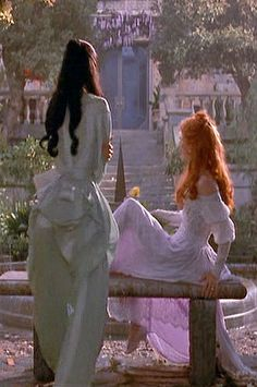 Lucie and Mina - Francis Ford Coppola's Dracula