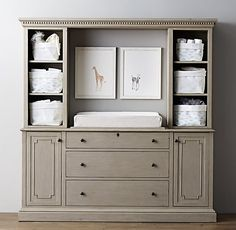 RH changing table... now that's a changing table.... could be cool in the future to use for something else too.