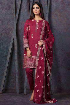 Kayseria Clothing 2018 has this embroidered 3 piece maroon dress #wintercollection  #blackfriday #readytowear #pretwear  #unstitched #online  #linen #linencollection  #lahore #karachi #islamabad #newyork #london  #pakistan #pakistani #indian #alkaram #breakout #zeen  #khaadi #sanasafinaz #limelight #nishat #khaddar #daraz #gulahmed #2017 #2018  #blackfriday #pakistani_dresses #best_price #indian_dresses