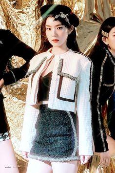 Seulgi, Two Piece Outfits Shorts, Pop Fashion, Fashion Beauty, Korean Girl, Asian Girl, Kpop Wallpaper, Queens, Rapper