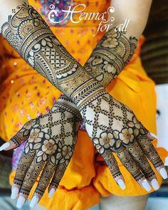 Trending Designer New Bridal Mehndi Designs 2020 For Hands And Feet Circle Mehndi Designs, Latest Bridal Mehndi Designs, Rose Mehndi Designs, Latest Arabic Mehndi Designs, Back Hand Mehndi Designs, Mehndi Designs For Girls, Stylish Mehndi Designs, Dulhan Mehndi Designs, Mehndi Design Photos