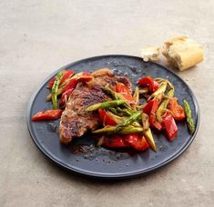 Discover recipes, home ideas, style inspiration and other ideas to try. Fiber Foods, Kinds Of Salad, Ratatouille, Salad Recipes, Meal Planning, Steak, Chicken Recipes, Food And Drink, Health Fitness