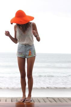 Cute summer outfit <3 Would never be able to pull off those lovely shorts though