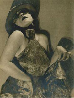 Valeska Gert by Man Ray, 1925