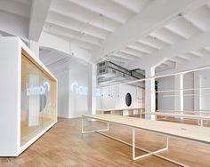 Goroka办公室在巴塞罗那由Isern Serra |  Yellowtrace