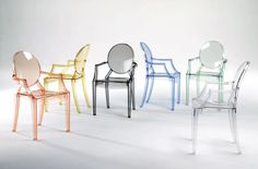 Philippe Starck, Design Furniture, Chair Design, Space Furniture, Furniture Stores, Sillas Louis Ghost, Lucite Chairs, Ghost Chairs, Chaise Ghost