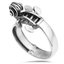 Cello/Bass/Viola/Violin Ring - This ring takes its artistic form from a cello. The scrollwork on the head and fingerboard are exactly to proportion. The perfect ring for your bowed instrument lover. Music Jewelry, Jewelry Box, Jewelry Accessories, Jewelry Design, Jewellery, Violin Accessories, Jewelry Rings, Cello Music, Cello Art
