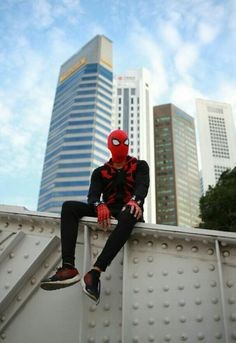 SPIDERMAN awesome cosplay. Marvel Fan, Marvel Heroes, Marvel Characters, Captain Marvel, Marvel Comics, Spiderman Suits, Spiderman Costume, Spiderman Spiderman, Marvel Studios Movies
