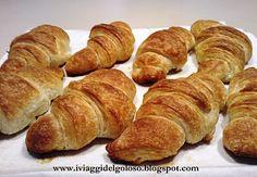 easy croissant recipe *** Mi serviva proprio una ricetta definitiva per i croissant. Che sia la volta buona?