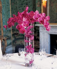 Paula Pryke Fl Artist At Ickworth House For A Special Dinner Orchid Centerpieces Submerged