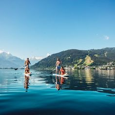 Stand Up Paddling at Lake Zell | © Zell am See-Kaprun Tourismus Track Workout, Interesting News, Sports Activities, Summer Travel, Holiday Destinations, Stand Up, Schools, Skiing, Trips