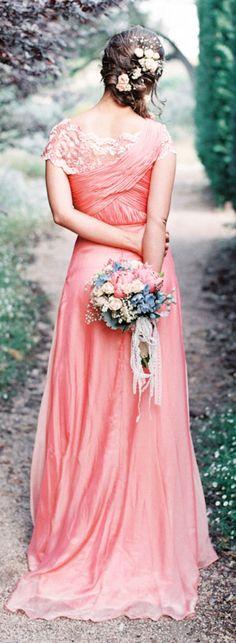 Gorgeous bridesmaid / Feather & Stone