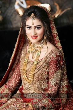 My Pakistani wedding inspirations: Photo Pakistan Bride, Pakistan Wedding, Pakistani Bridal Makeup, Pakistani Wedding Dresses, Saris, Bridal Looks, Bridal Style, Glam Look, Bridal Makeover