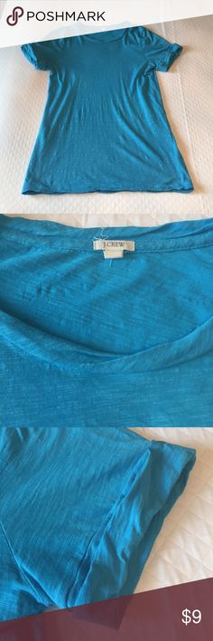 "J crew turquoise T-shirt This is a great T-shirt from J.Crew size small. It is in great used condition with little sign of wear. 26"" long.  Always washed in cold water and hung dry. J. Crew Tops Tees - Short Sleeve"