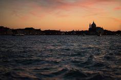 Venice Carnival 2017  #venice #venezia #italy #venicecarnival2017 #landscape #city #canalegrande #sunrise #vacation #nikon #d810 #tamron #85mm #f016 #prime #travel #photography #travelphotography #3leggedthing #3lt #peakdesign #lowepro #holdfastgear #blackrapid #rolandplanitz #blockai