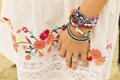 Festivals and friendship bracelets go hand in hand. Love these as much as we do?  #friendshipbracelets