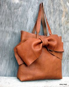 Leather Bow Tote Bag in Saddle Montana