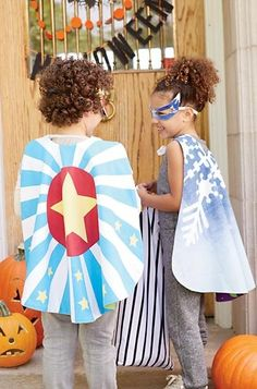Hero by day and villain by night? These reversible superhero masks and capes are ready to accommodate the bravest avenger or the most sinister evildoer (as long as it's before bedtime).